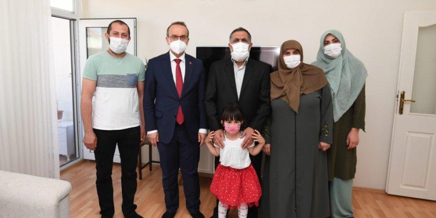 Vali Yavuz'dan şehit yakınları ve gazilere ziyaret