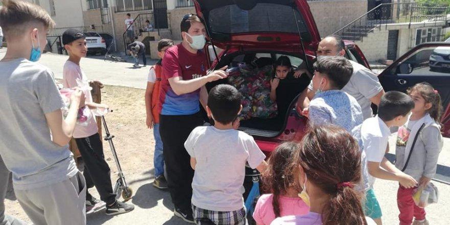 Trabzonlu gençlerden  7 bin 500 çocuğa hediye