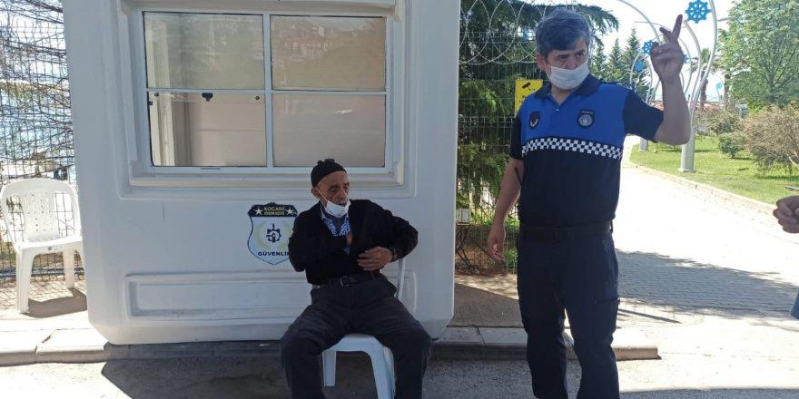Zabıta kaybolan vatandaşı ailesine teslim etti