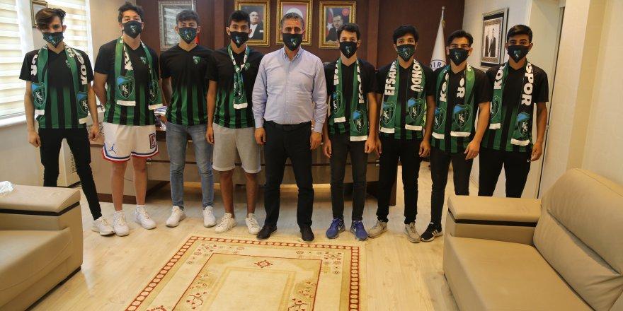Başkan Turan gençlere verdiği sözü tuttu