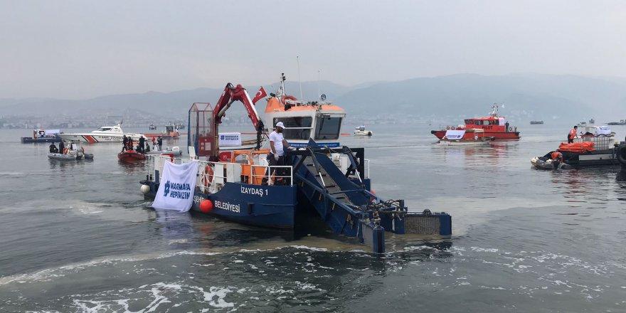 Marmara'dan iki günde 392 metreküp deniz salyası toplandı