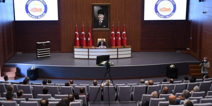 Kocaeli Valisi Yavuz, müsilajla mücadele çalışmalarını değerlendirdi