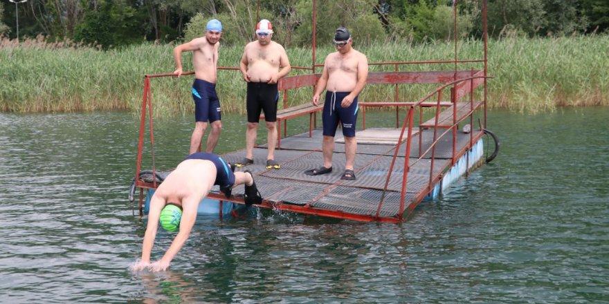 Gönül gözüyle yüzdüler