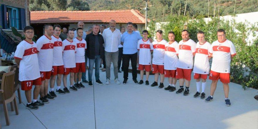 Down Sendromlular Futbol Milli Takımı İzmit'te kampa girecek