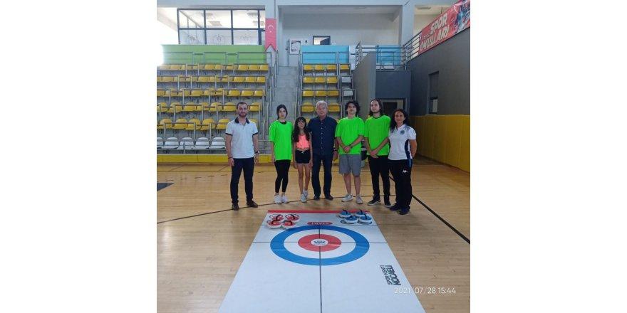 Curlingde il birincileri belli oldu