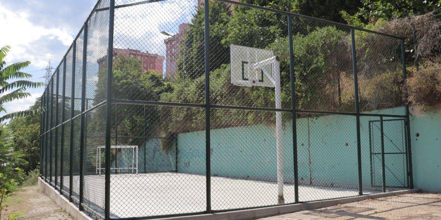 Erenler'e mini basketbol sahası yapıldı