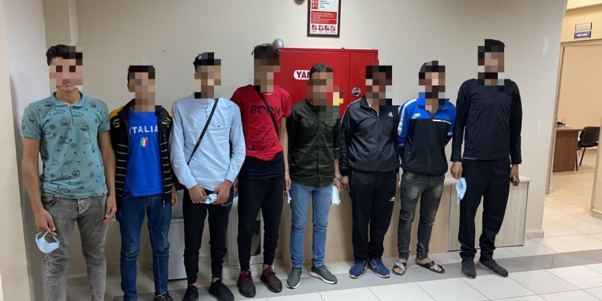 Durdurulan otomobilde 7 düzensiz göçmen yakalandı