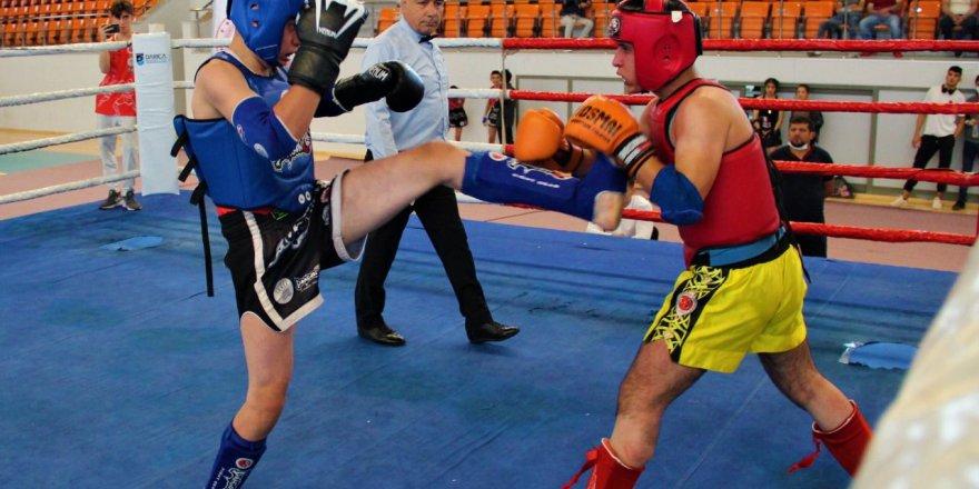Kıran kırana Muay Thai mücadelesi