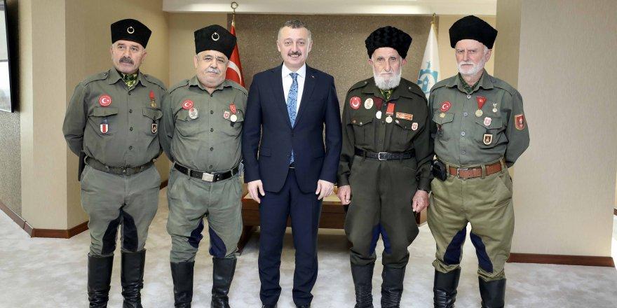 Türk milleti şehitlik ve gaziliği en büyük rütbe bilmiştir