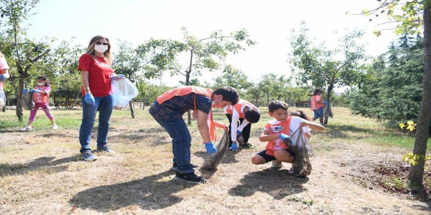 Dünya Temizlik Günü'nde Çağdaşkent'i temizlediler