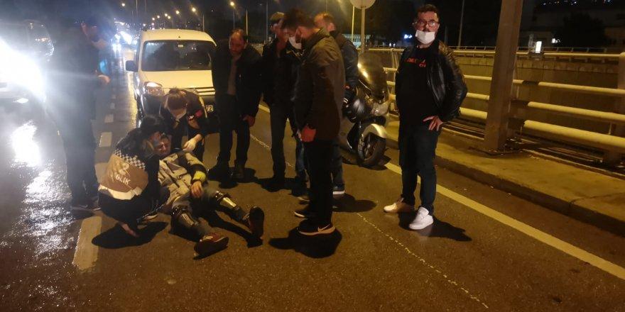 Kaldırıma çarpan motosikletin sürücüsü yaralandı