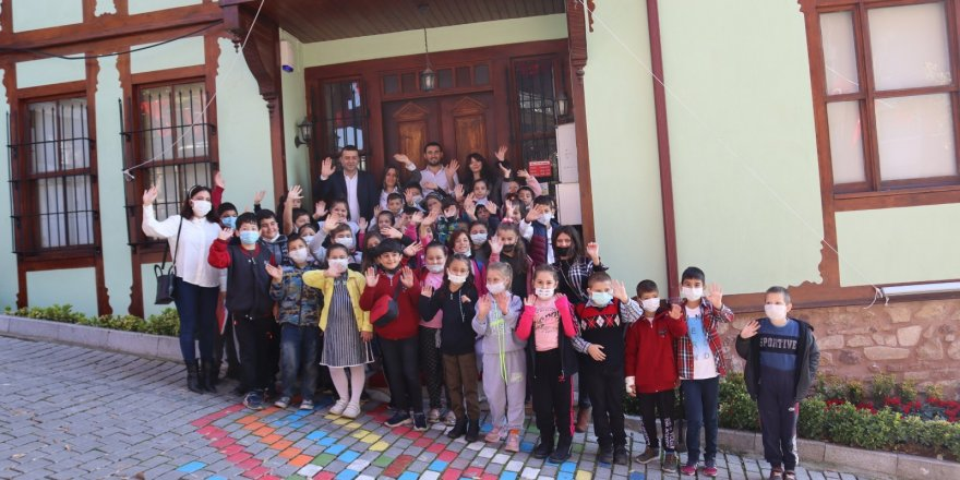 İlkokul öğrencileri  Atatürk Evi Müzesi'ni ziyaret etti