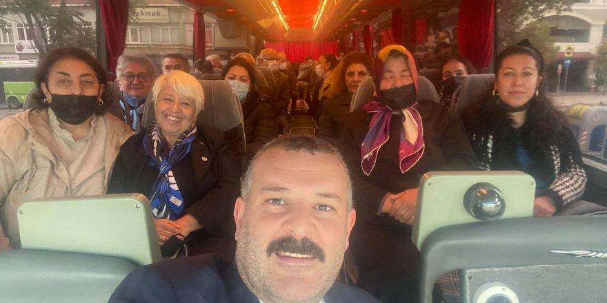 İYİ Partililer Haliç'e çıkarma yaptı