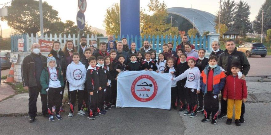 Cumhuriyet Kupası Yüzme Yarışları Gebze'de yapıldı