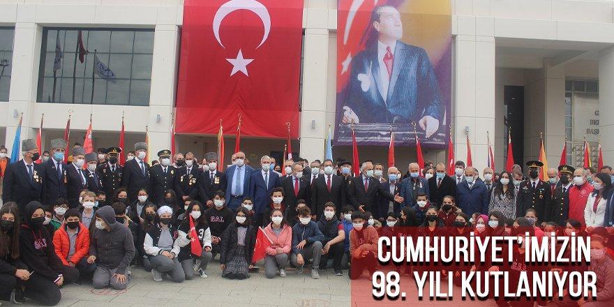 Cumhuriyet'imizin 98'nci yılı kutlanıyor
