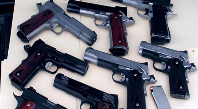 Turşu tenekesinde silah yakalattılar