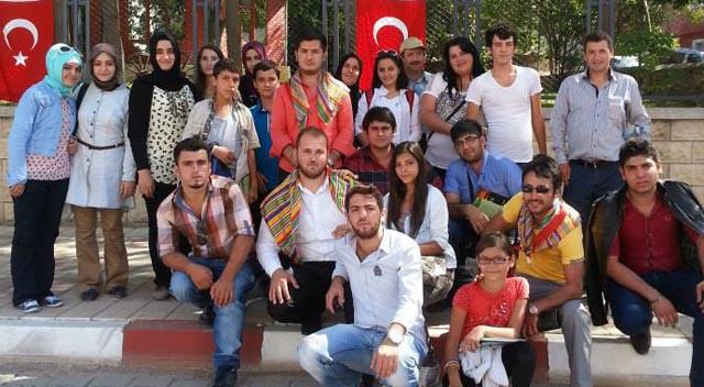 AKP'li gençler Ertuğrul Gazi'yi andı