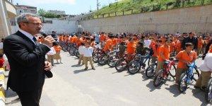 Bisikletler  başkan Köşker'den
