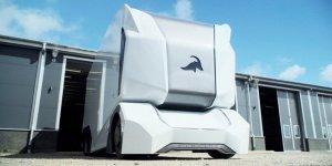 Bu fütüristik kamyon hem şoförsüz hem de elektrikli