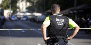 Barcelona'da ikinci şok! Önce minibüsle kalabalığın arasına daldılar sonra restoran bastılar
