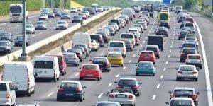 TÜRKİYE'DE:  Trafiğe kayıtlı 22 milyon araç var