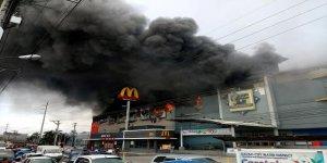 Filipinler'de alışveriş merkezinde yangın: 37 ölü
