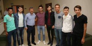Başkan Karabacak gençleri dinledi