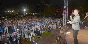 Kocaelililer Serdar Ortaç'ın şarkılarıyla yaza veda etti
