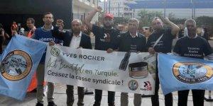 Flormar işçileri Paris'te eylem yaptı