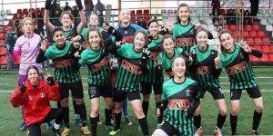 Kocaeli Bayan FK zirvede
