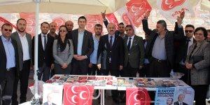 MHP ve AK Parti standına ziyaret