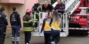 İntihar etmek isteyen kızı polis ikna etti
