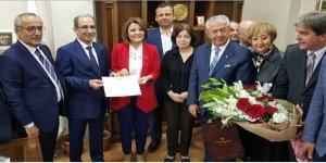 Fatma Kaplan Hürriyet mazbatayı aldı
