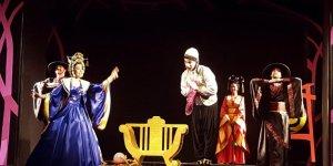 Kocaeli Şehir Tiyatroları İki İlki Birden Yaşadı