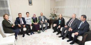 Büyükgöz'den şehit ailelerine ziyaret