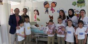 Çocuklardan hastane ziyareti