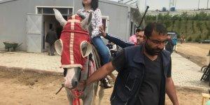 ÇAYIROVA'DA ETKİNLİĞE KATILDILAR:  Görme Engelliler dokunarak gördü