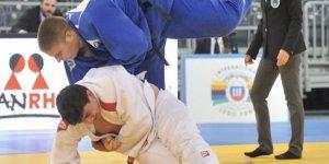 Judocular Romanya'da destan yazdı