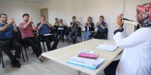 KO-MEK'TEN:  Polise, işaret dili eğitimi