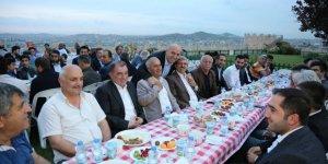 Ak Parti Darıca teşkilatına iftar