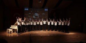 TEVİTÖL ÖĞRENCİLERİNDEN:   Muhteşem yılsonu konseri