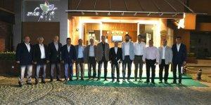 AKP İL  BAŞKANI MEHMET ELLİBEŞ YÖNETİMİ OLUŞTURUYOR:  İlçe başkanlarıyla  toplantı yaptı