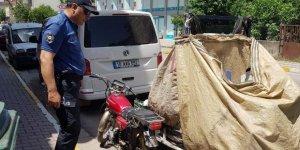 ATIKLARI TOPLAYANLARIN: Motosikletleri kontrol edildi