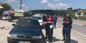 JANDARMADAN TRAFİK DENETİMİ:  622 araca 212 bin lira ceza kesildi
