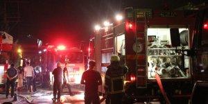 2 katlı evin çatısındaki yangın
