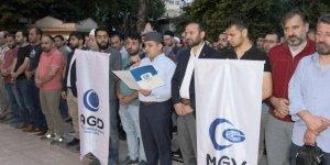 Mursi için gıyabi cenaze namazı kıldılar
