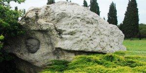 HANNİBAL ANIT MEZARI:  Gebze'nin tarihi simgelerinden