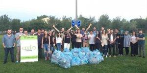GEBZE VE İZMİT'TE:  Kocaeli Ahbap çevre temizliği yaptı