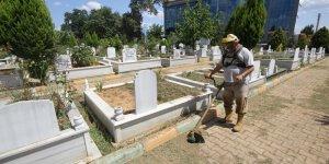 ÇAYIROVA: Mezarlık ve ibadethanelerde bayram hazırlığı