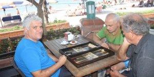 Bayramoğlu Ada'da tavla turnuvası